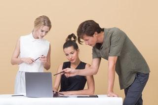 Hogyan találj üzleti tanácsadót kisvállalkozásként?